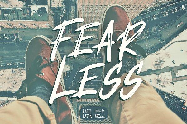 Download Fear Less Font
