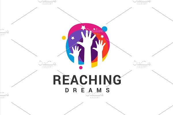 Download Reaching Dreams Logo